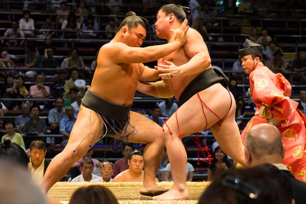Sumo-Wrestling-in-Japan1
